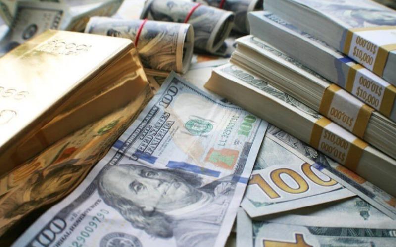 US Dollar Melemah, Emas Kembali Menguat